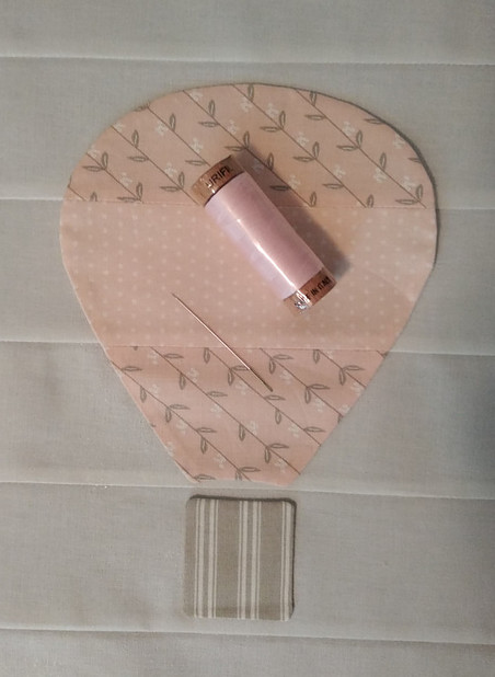 Applique hot air balloon using Hush A Be Hollow fabric